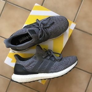 ultraboosts grey size 7Y